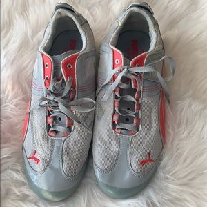 NEW LISTING! Puma sneakers for women
